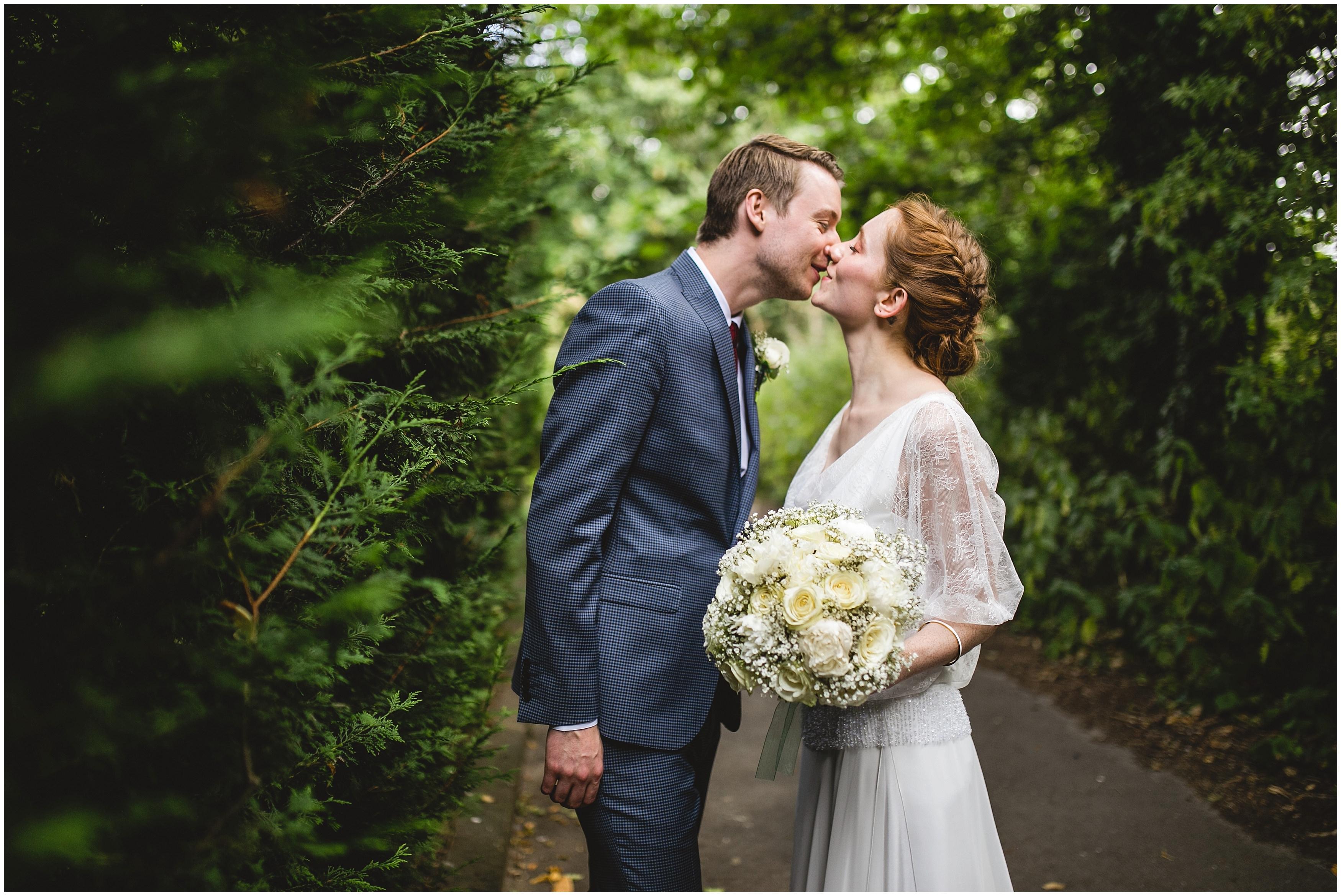 oaks farm barn wedding photographer south london