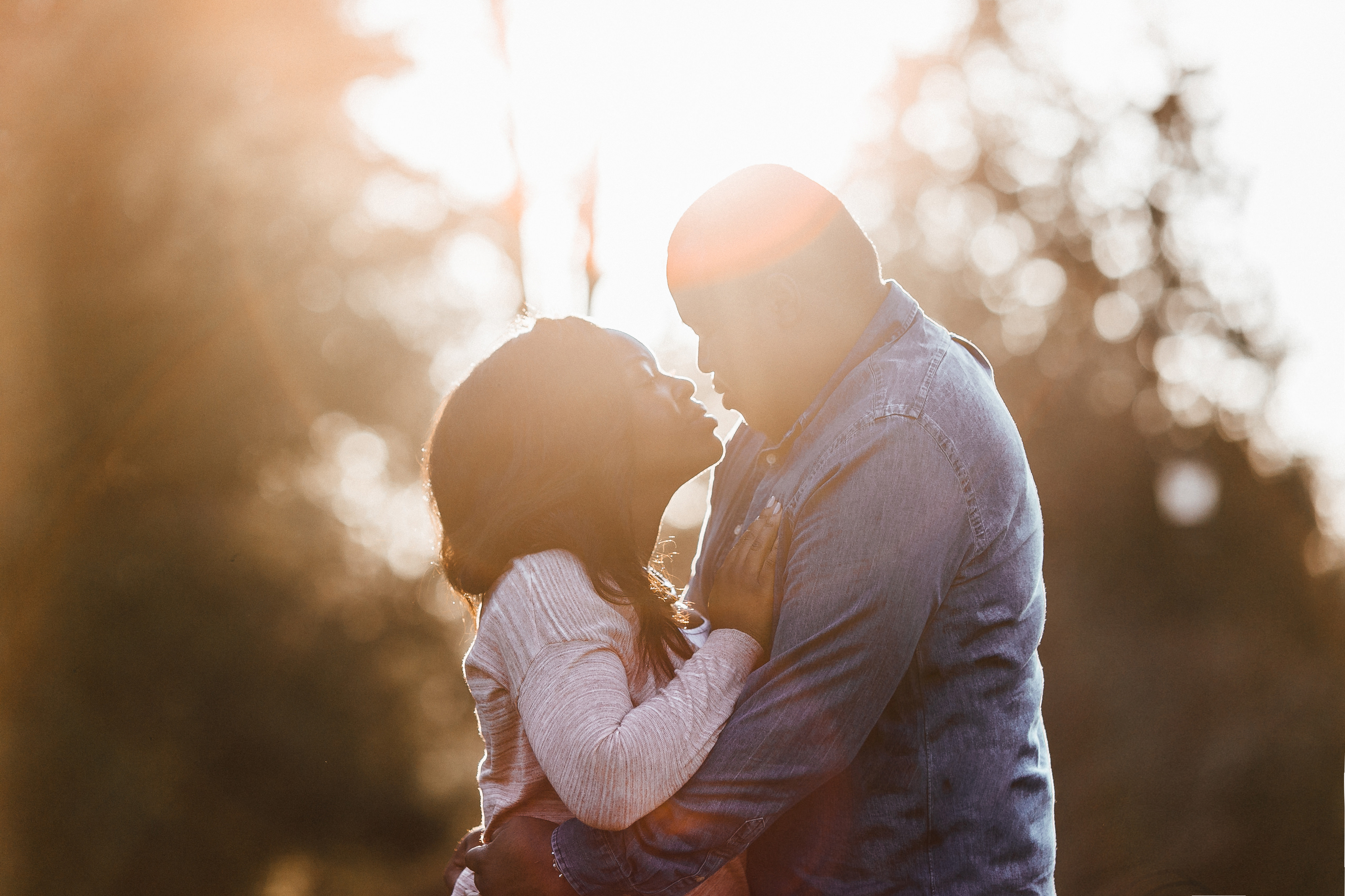 sunset and sunrise engagement shoot at victoria park in bath uk by somerset wedding photographer beatrici