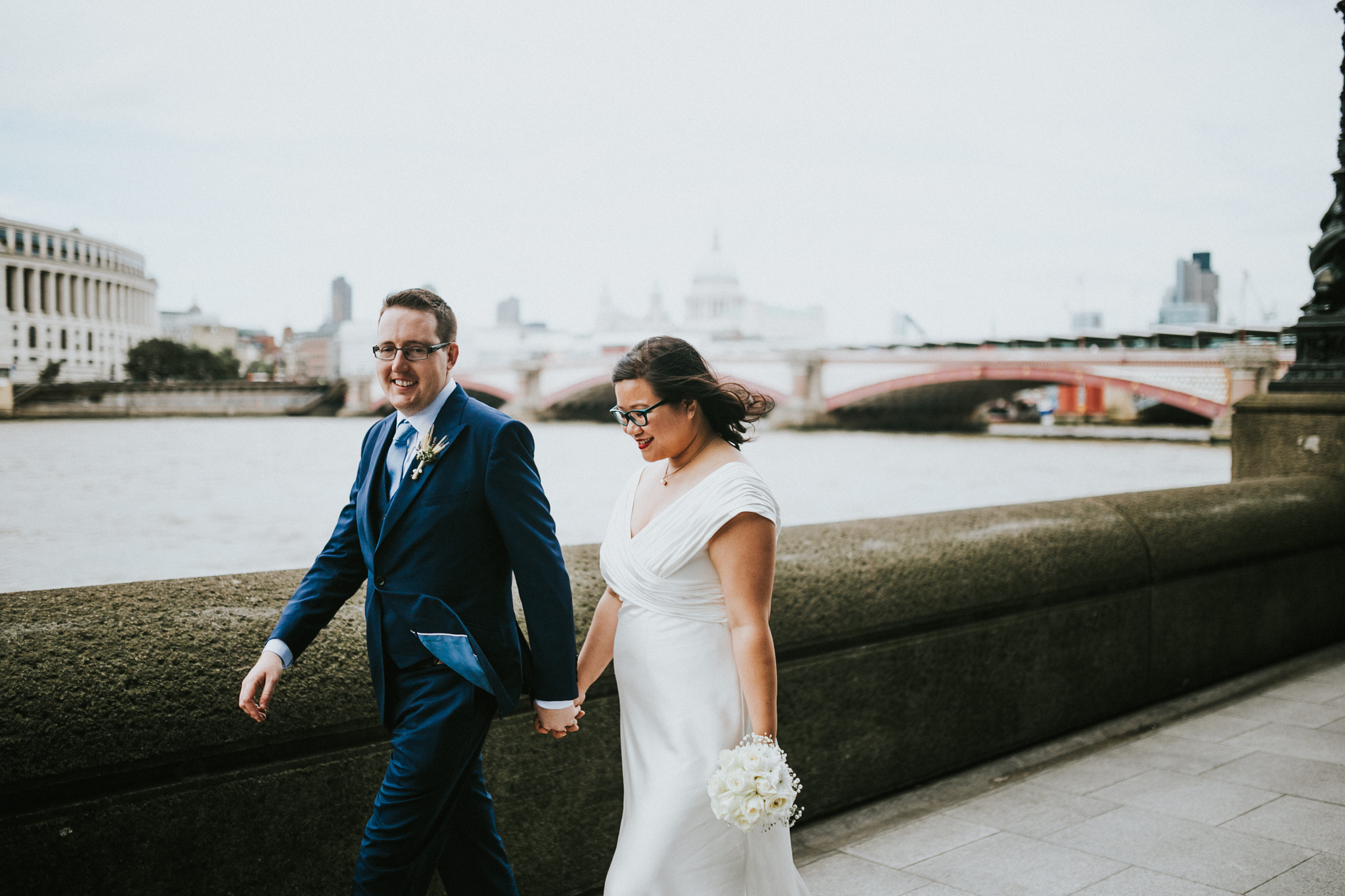 bride and groom couples potraits wedding photos in south bank by destination london wedding photographer