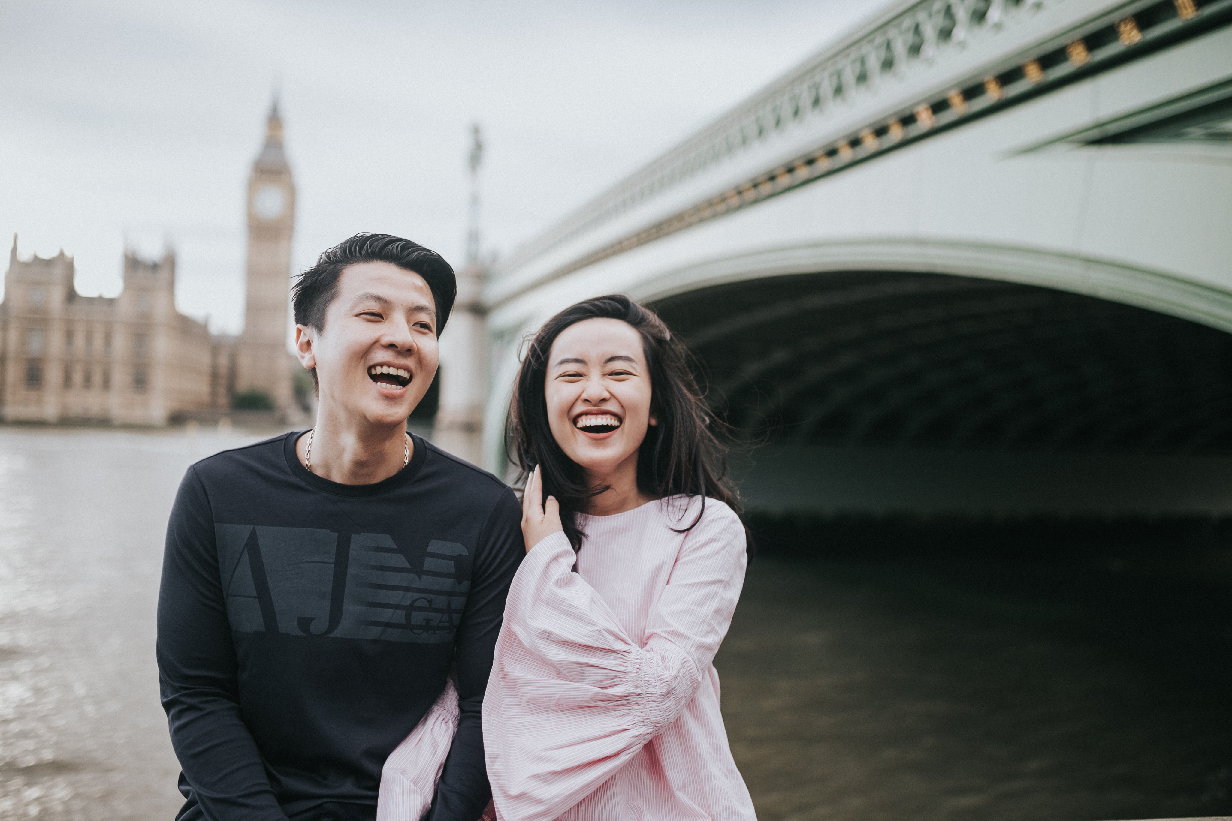 COUPLE'S PHOTOSHOOT IN LONDON FUN PRE WEDDING AND ENGAGEMENT SHOOT
