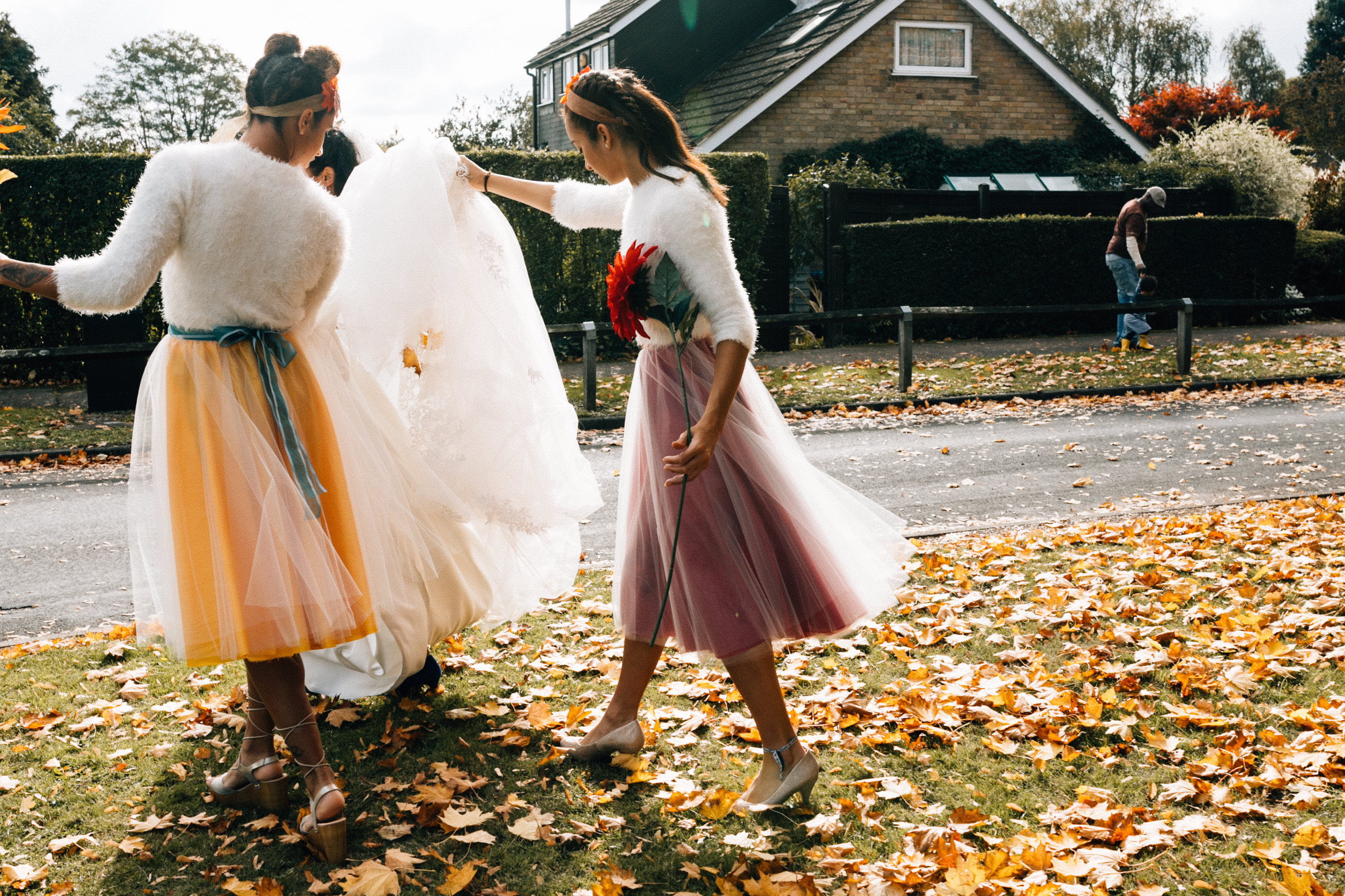fun quirky london wedding photographer autumun bridesmaids bouquet flowers