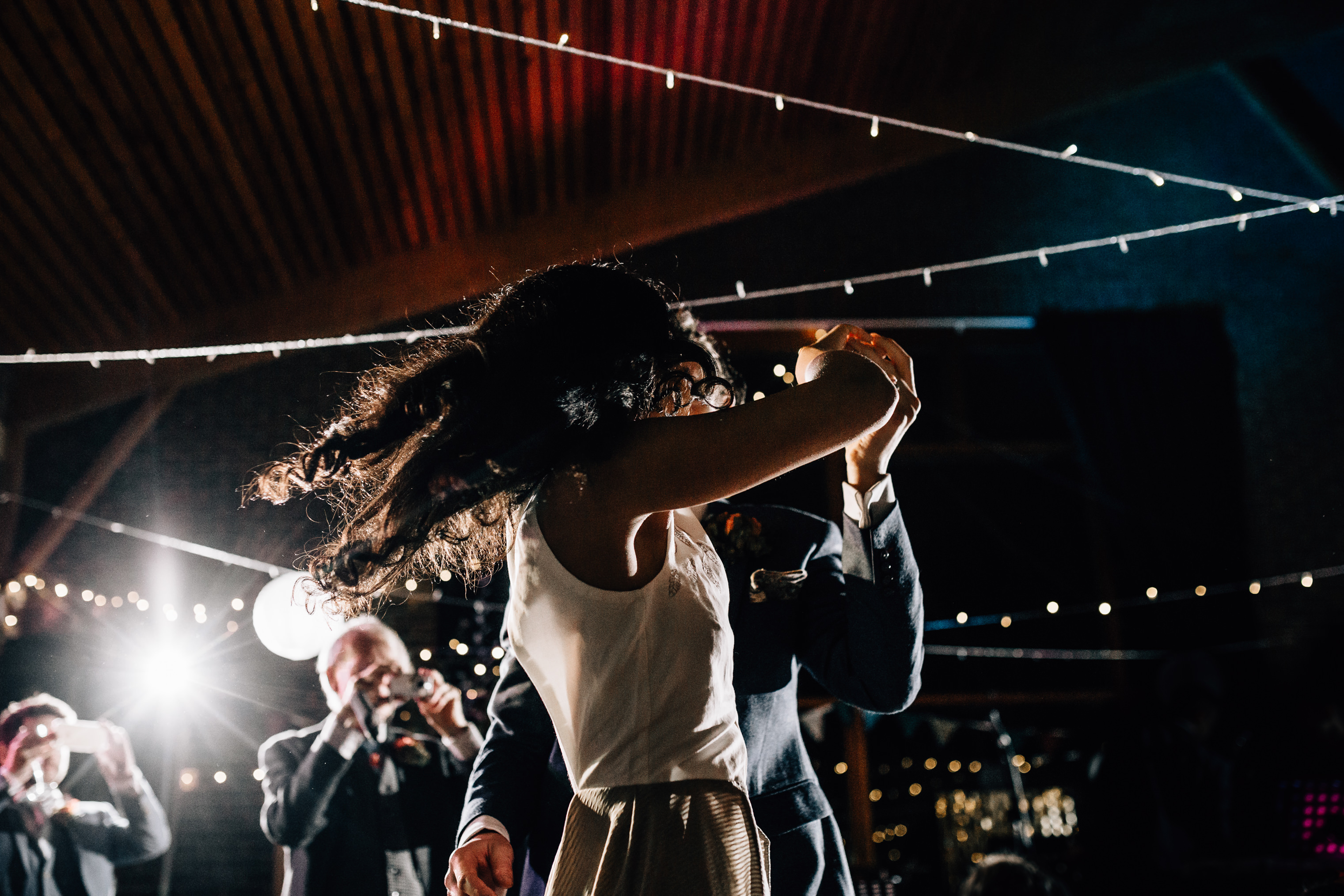 quirky fun autumn wedding in london wedding photographer documentary style first dance