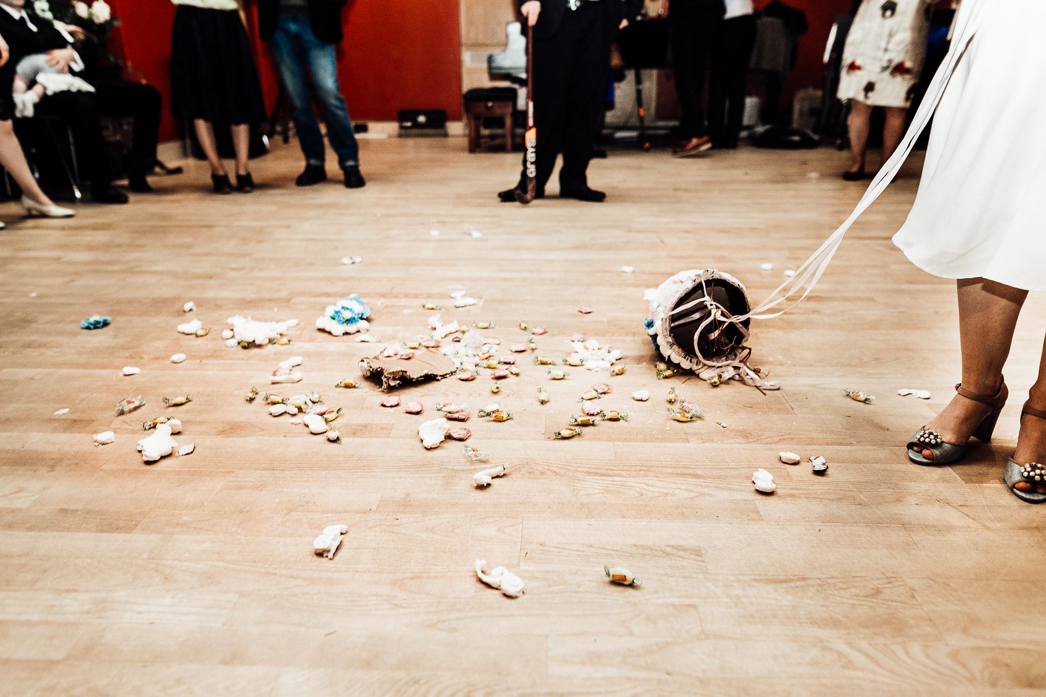 london wedding pinata wedding cake smashing