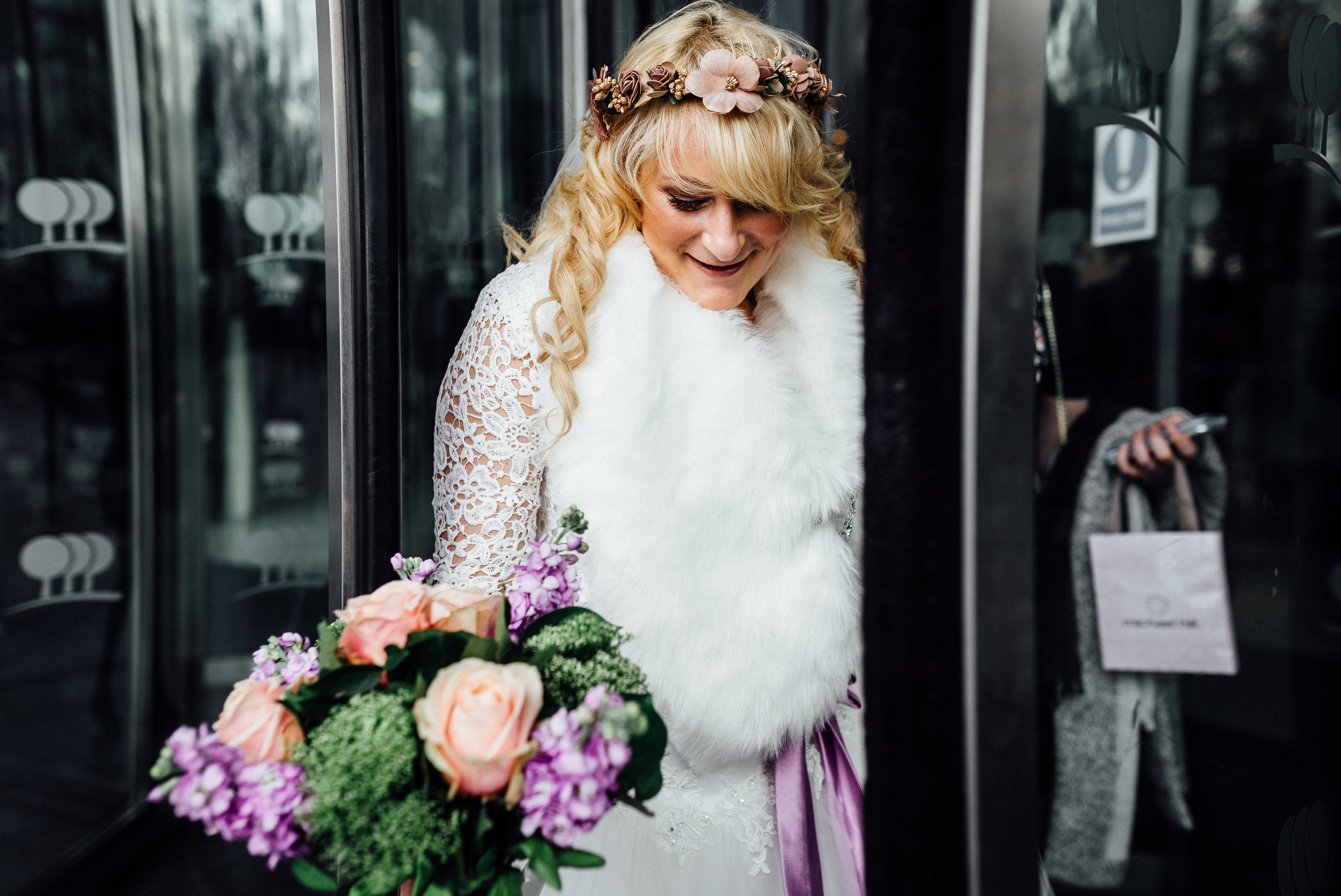 elopement wedding in london getting ready together at park plaza