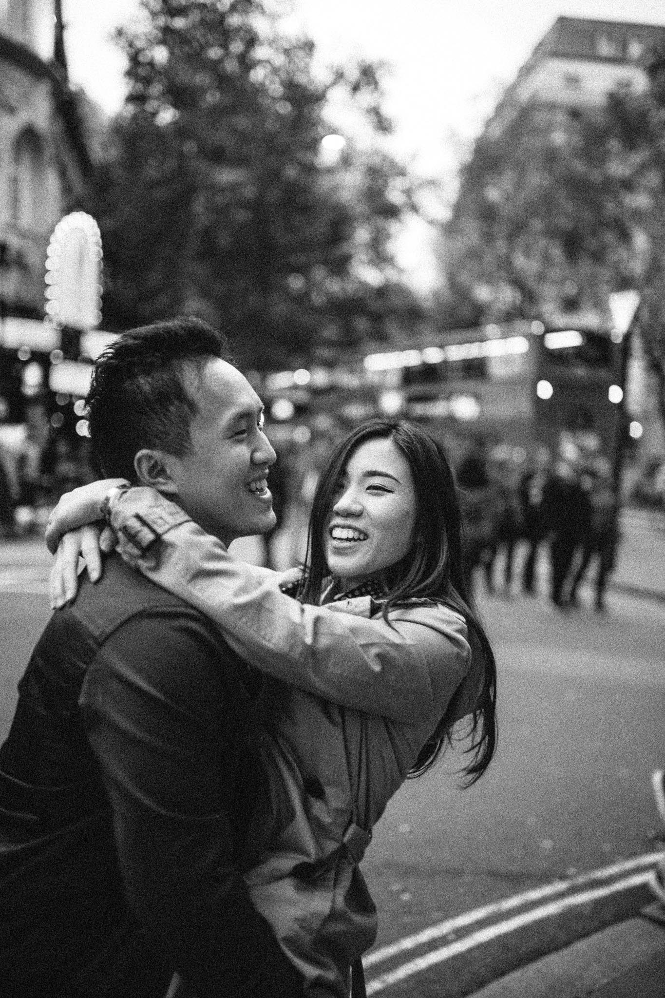 couple holiday photo shoot in london photographer