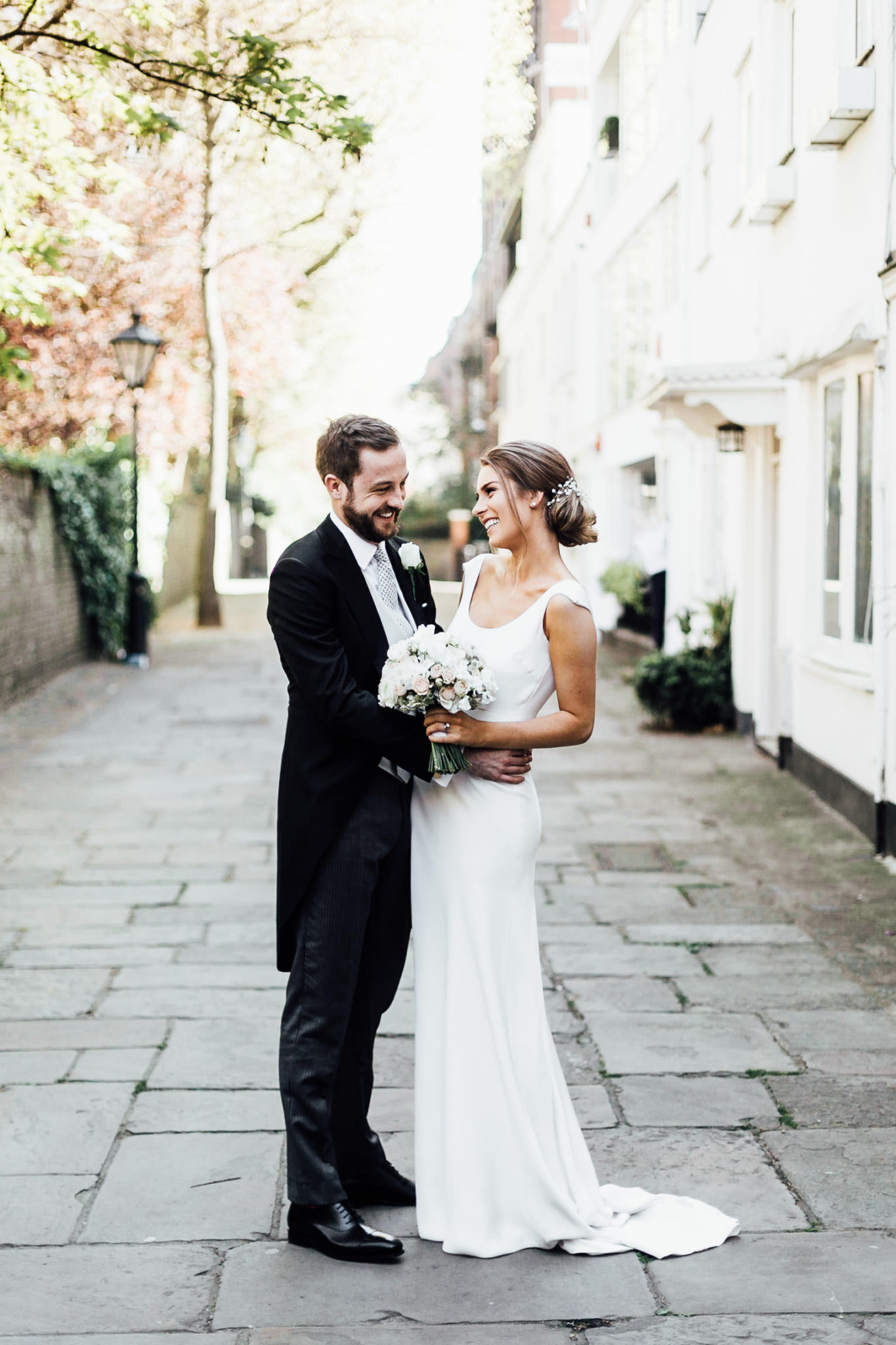 wedding photos around chelsea and kensington