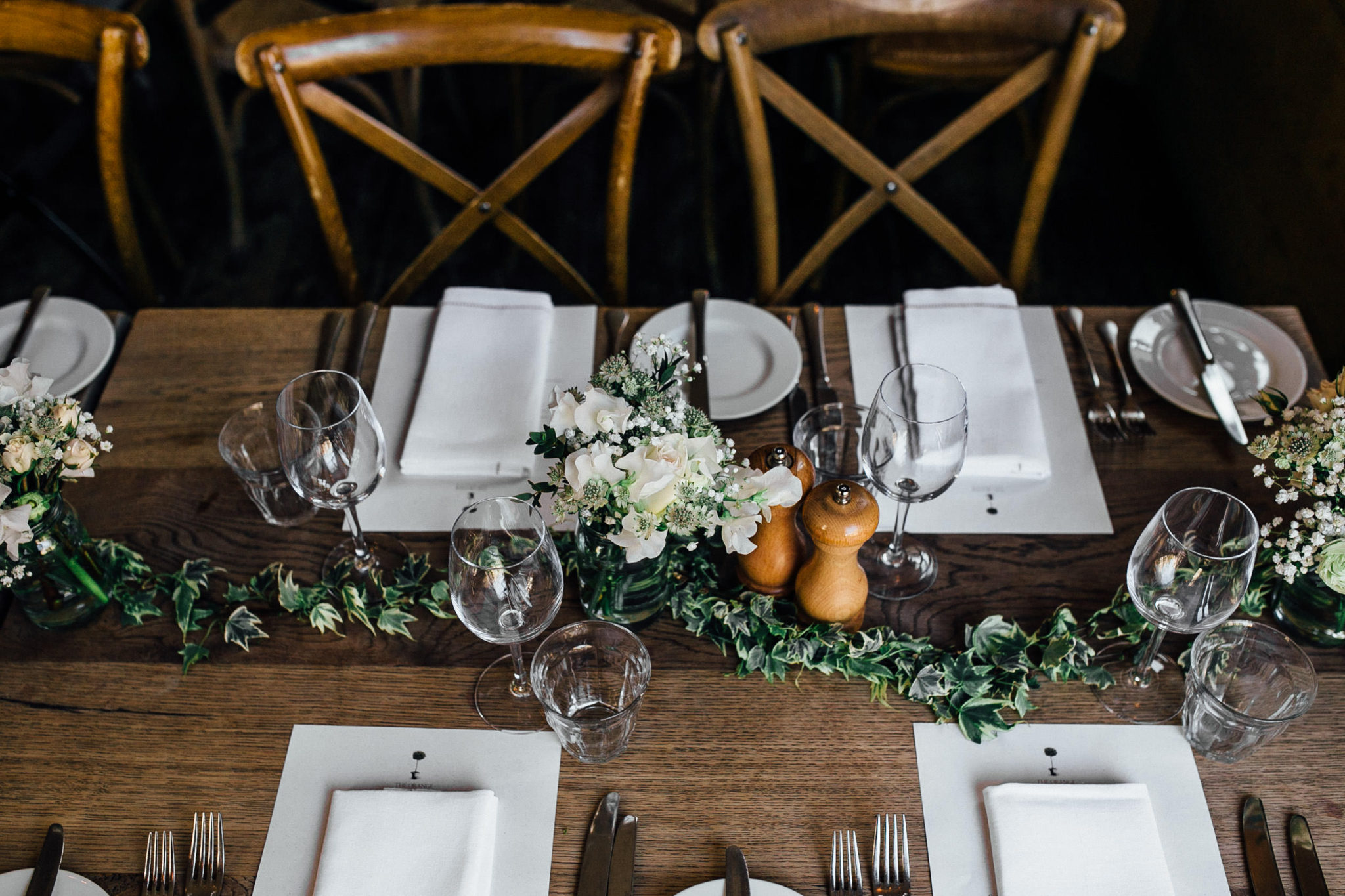 rustic wedding decoration at the orange chelsea with wild at heart flowers