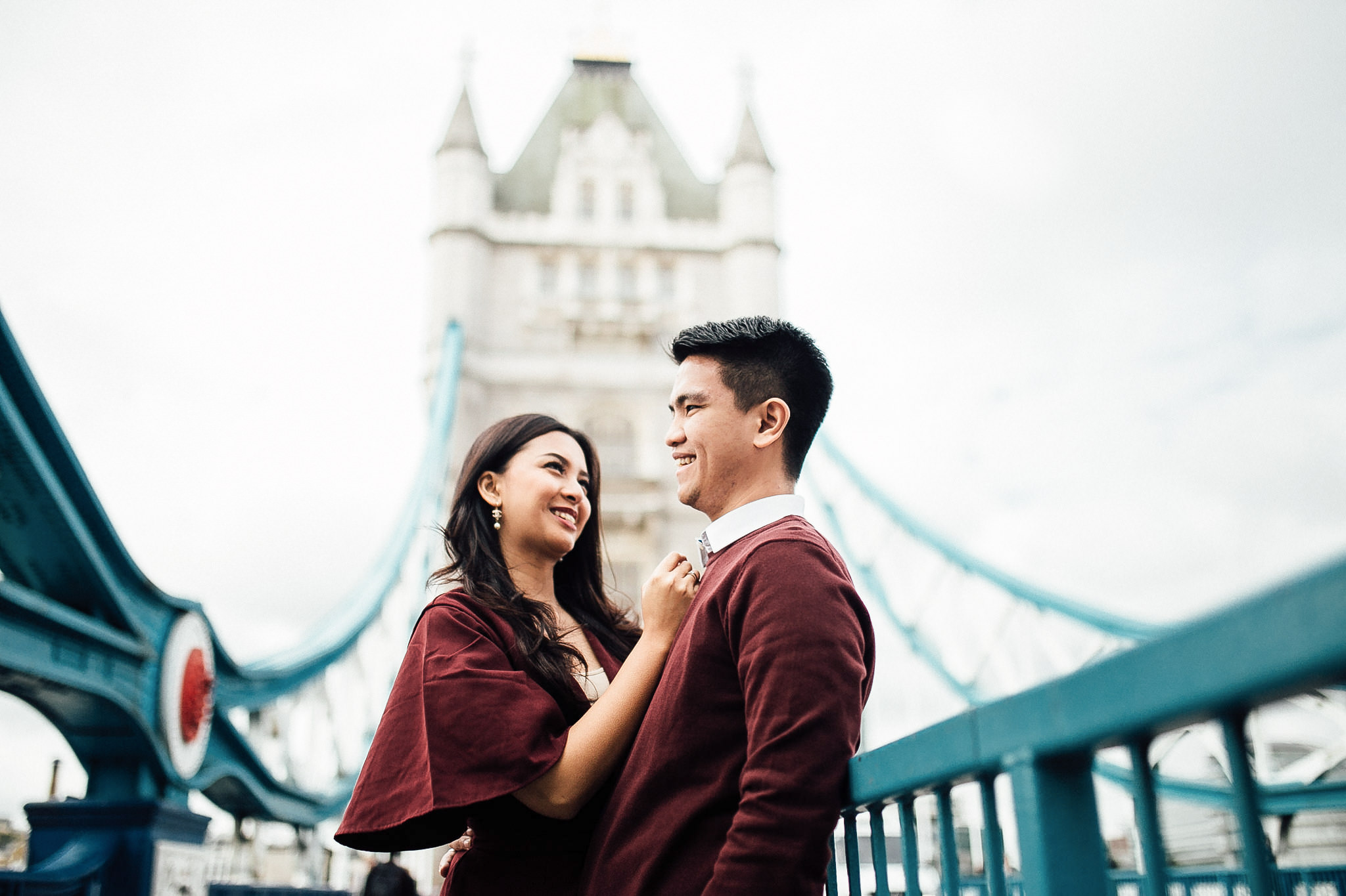 best Engagement shoot locations in London tower bridge couple shoot