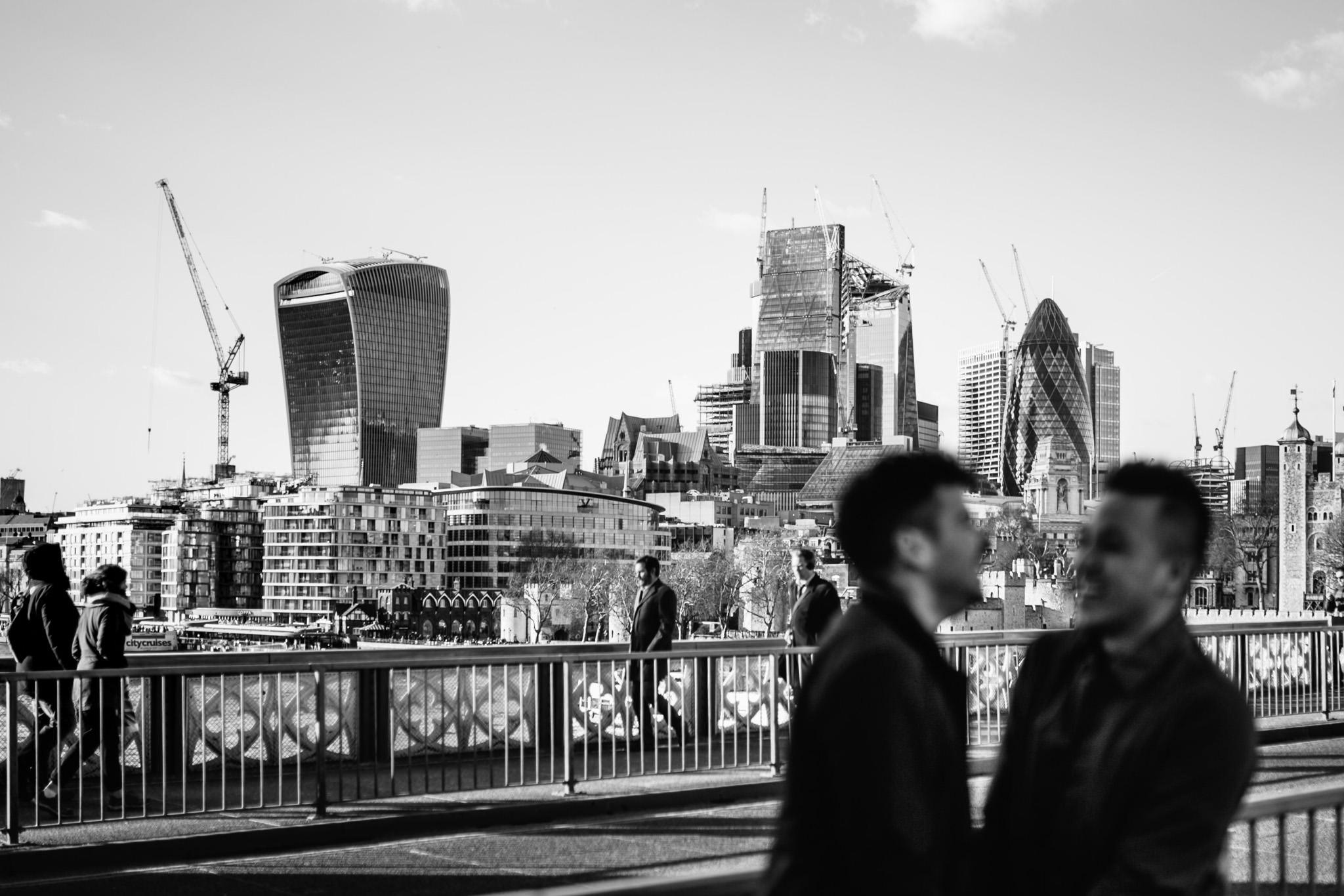 best Engagement shoot locations in London tower bridge