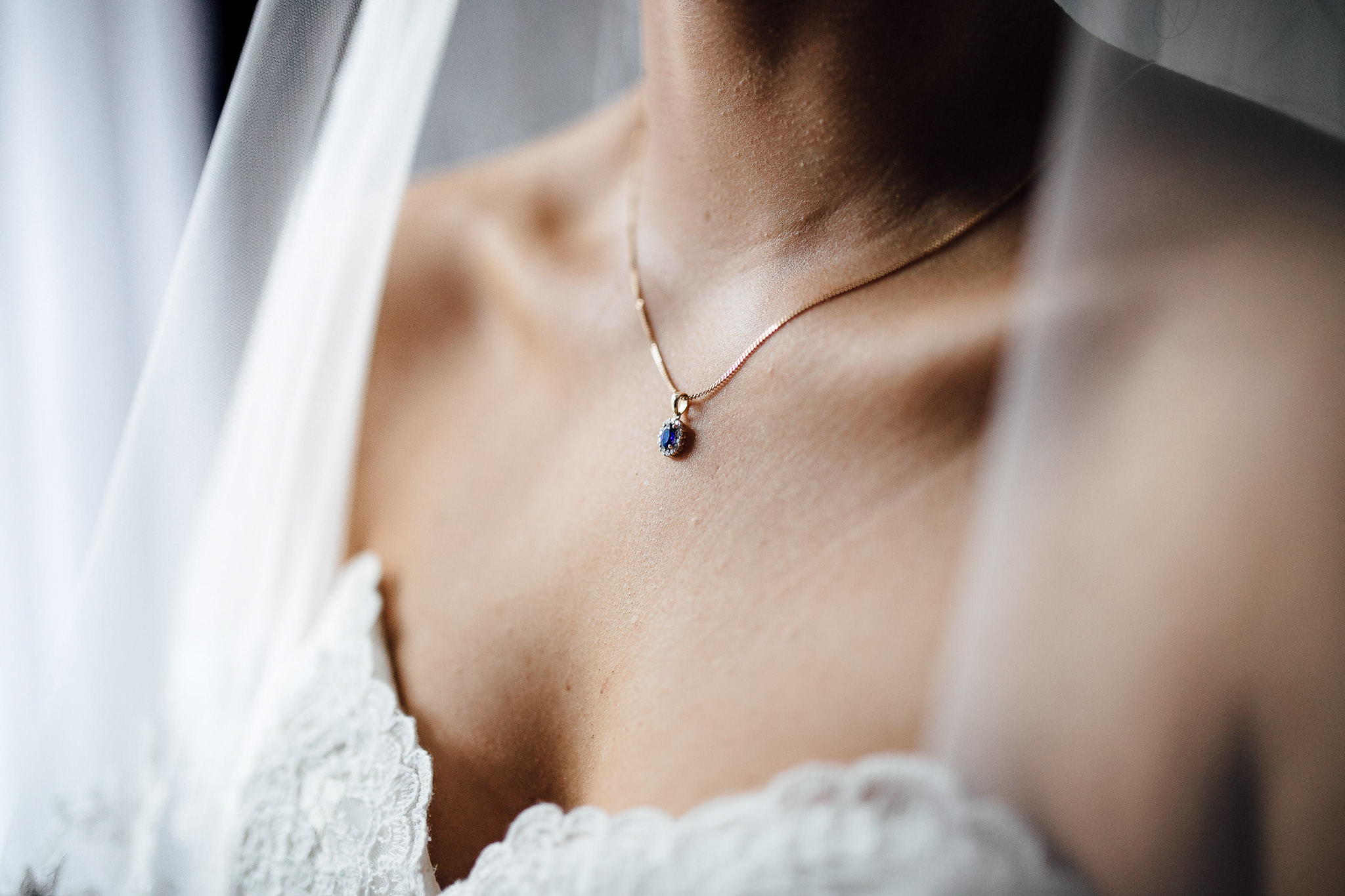 bride blue diamond necklace