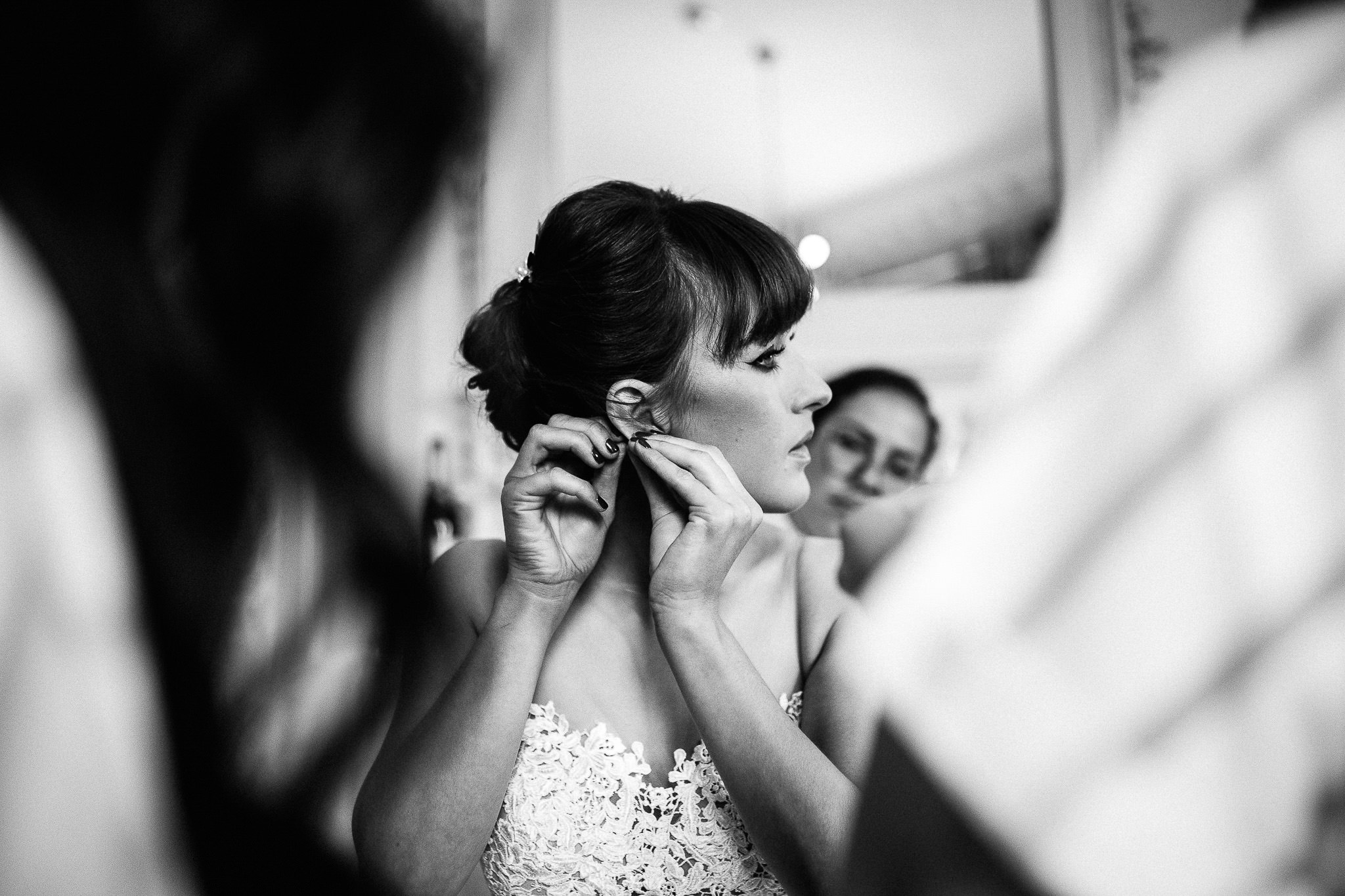 bride getting ready at morden hall wedding photos