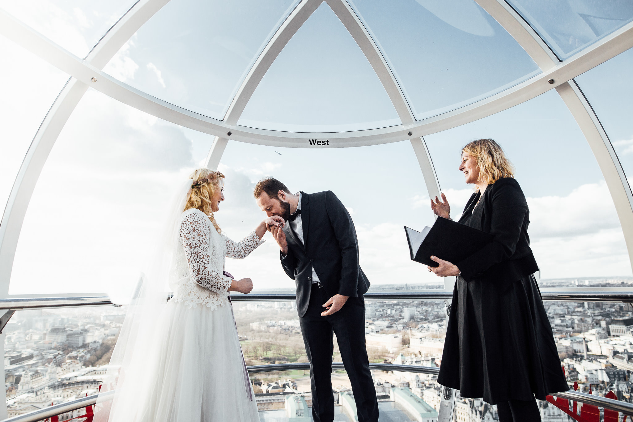 london elopement wedding inside london eye