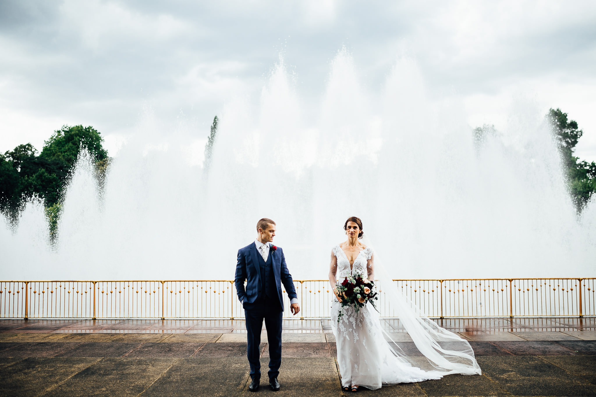 bride and groom at Battersea park fountain