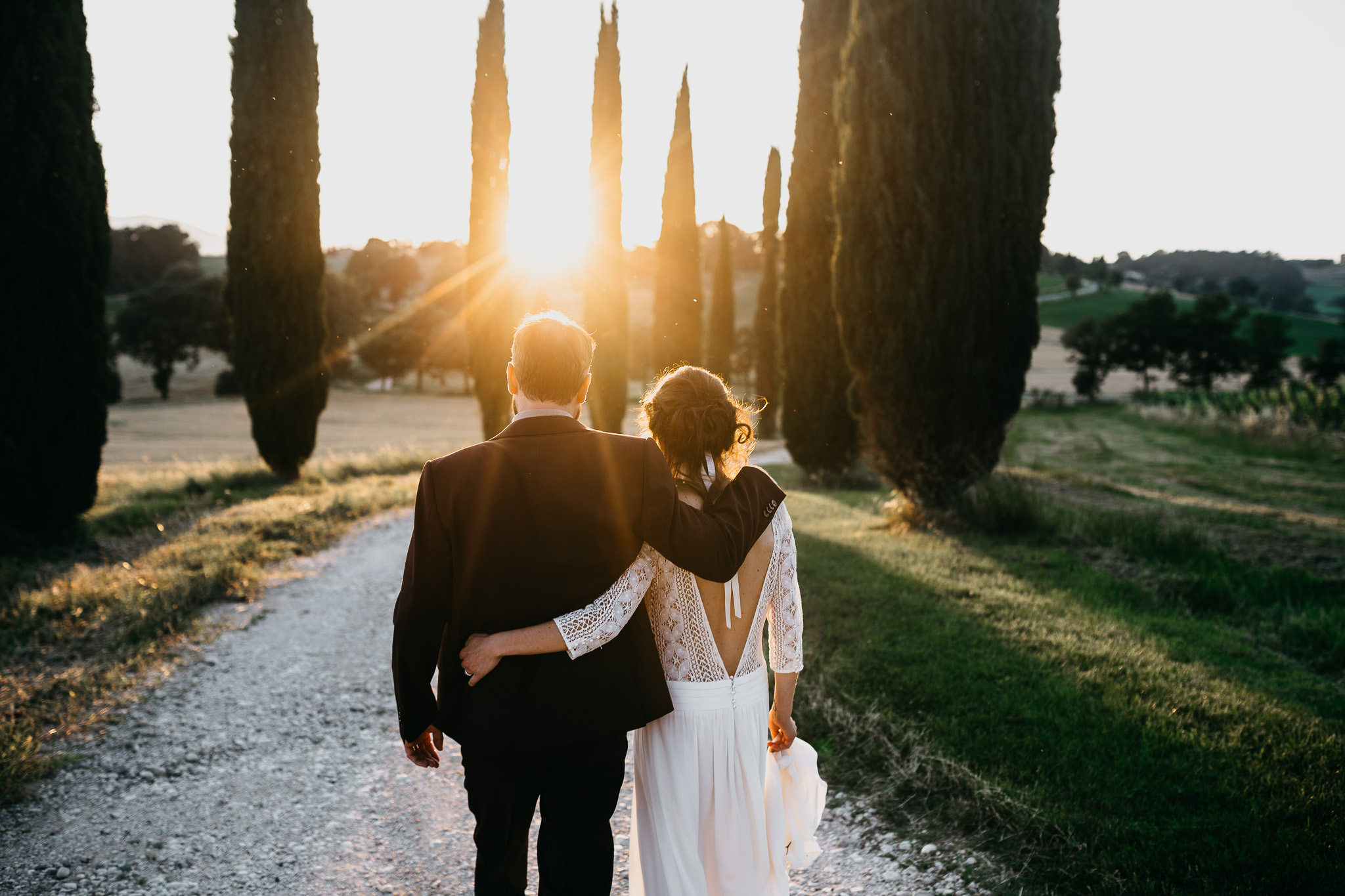 sunset destination wedding in tuscany italy