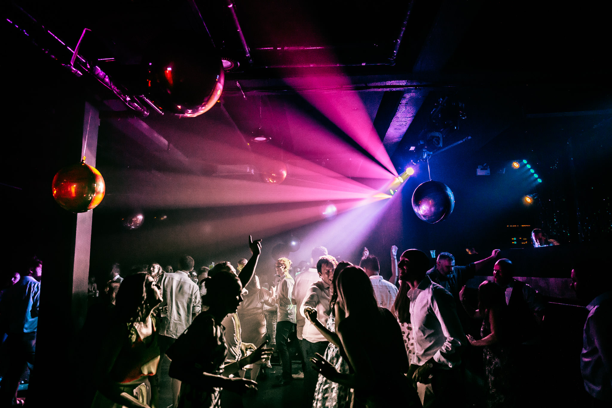 wedding rave in london studio spaces of shadwell