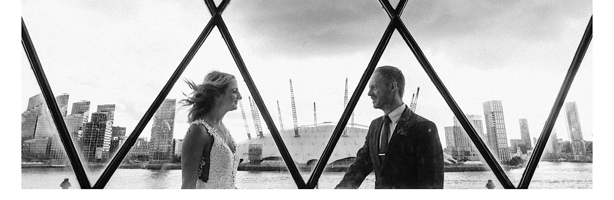 wedding photography at trinity buoy wharf lighthouse